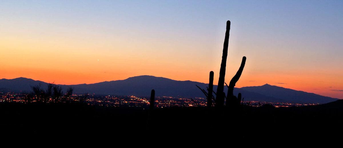 Un'alba a Tucson, uno dei tre orizzonti mozzafiato presenti in questo articolo